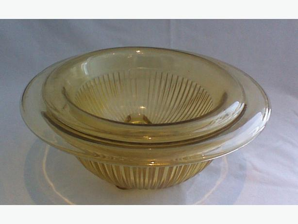 "Federal Glass ""Golden Glow"" ribbed mixing bowls"