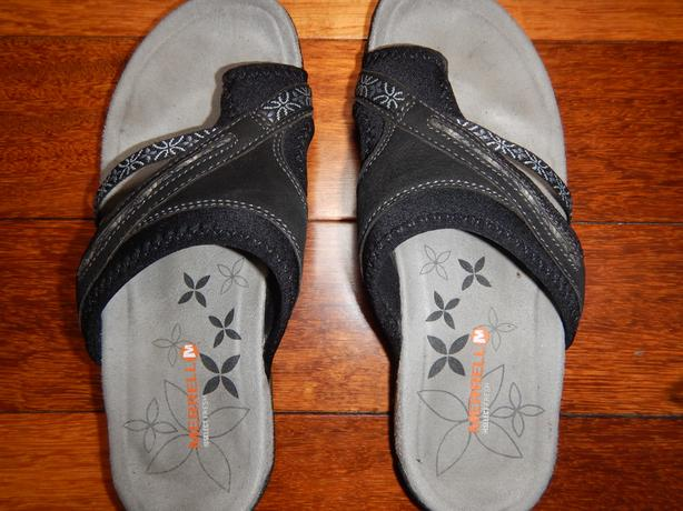 MERRELL SELECT GRIP LADIES SANDALS - SIZE 7