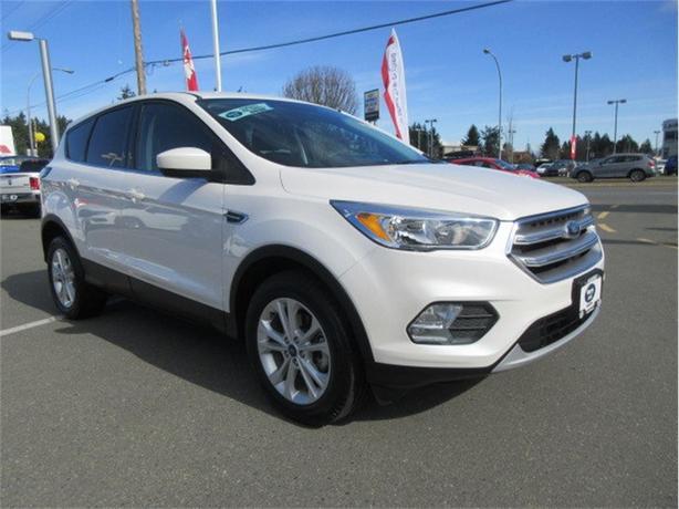 2017 Ford Escape SE Low Kilometers Warranty