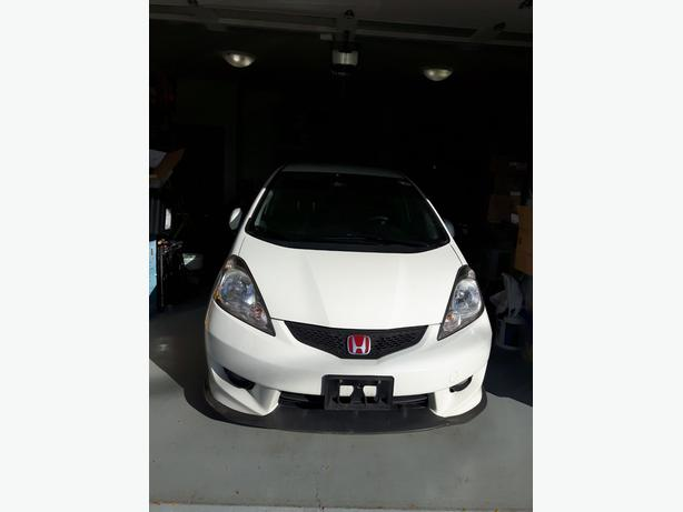 2009 Honda Fit Sport Model excellent conditon Manual