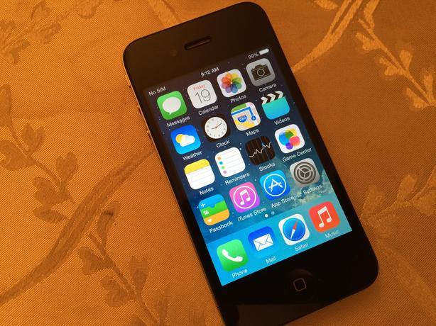 Cell phone-iPhone 4 16GB  [ Bell ],