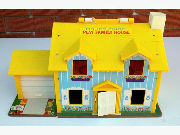 Vintage Fisher Price Play Family House – 952
