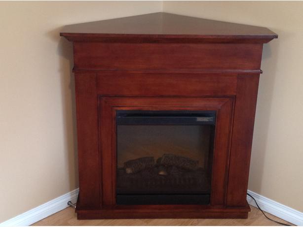 Beautiful corner fireplace, pristine condition