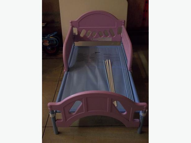 Tinkerbell toddler canopy bed by delta.