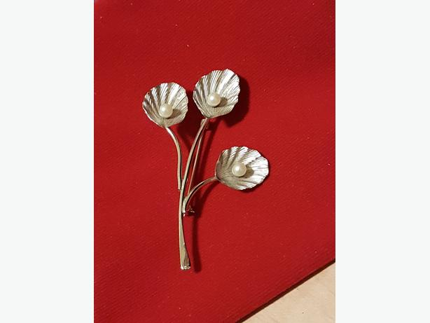 BEAUTIFUL BOND BOYD STERLING (no tarnish) BROOCH- VINTAGE