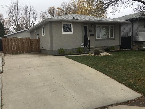 Beautiful Bungalow For Sale By Owner In Rosemont(Location,Location,Location)