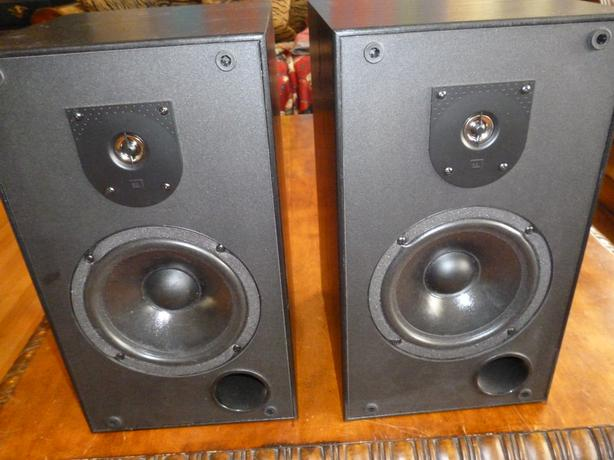 JBL MR 26 Stereo Speakers - just re-foamed!