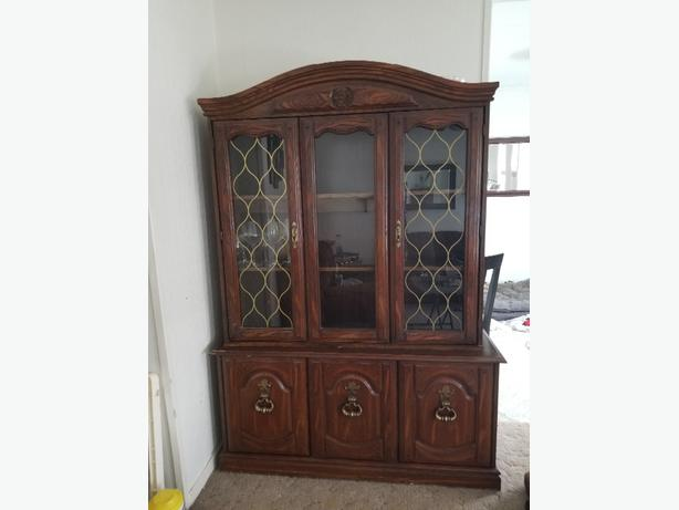 cabinet/hutch-price reduced