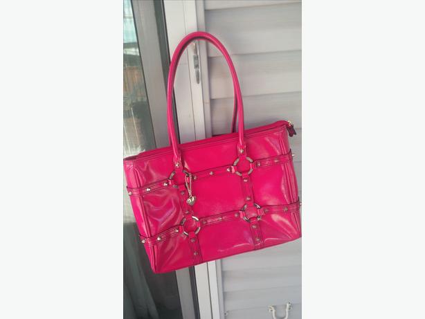 XOXO HOT PINK Leather Purse NEW WITHOUT TAGS