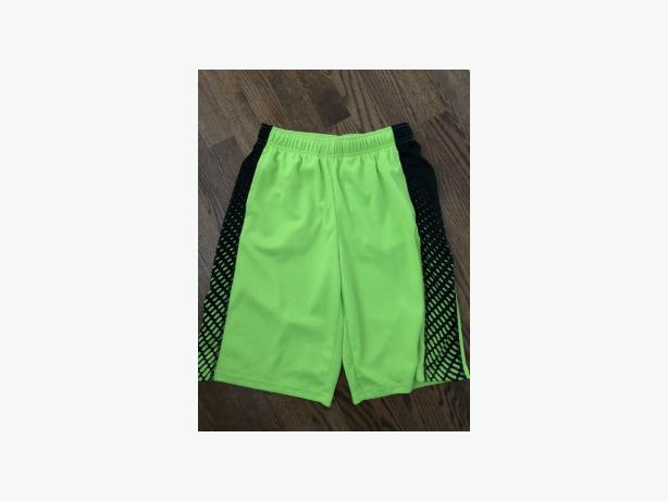 BOYS OLD NAVY ACTIVE SHORTS SIZE 10 - LIKE NEW