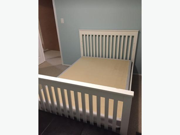 Crib with double bed conversion kit