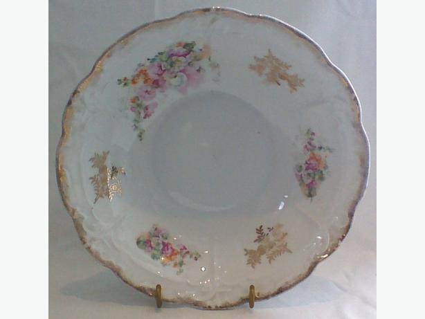 Three Crowns porcelain bowl