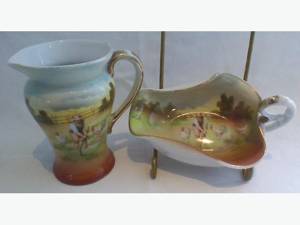Antique Royal Bayreuth pitcher & pinched sauce dish