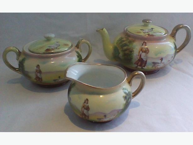 Antique Royal Bayreuth tea set