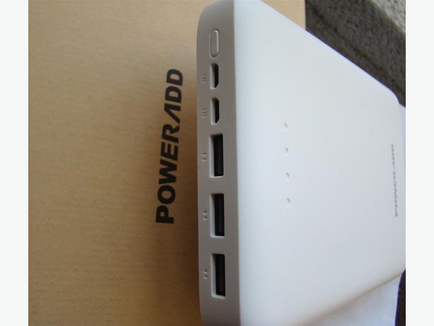 Power Bank 30000mAh Brand New Can Charge iPhone iPad Samsung LG Moto & More