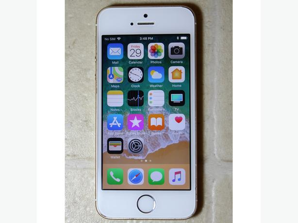 Apple iPhone 5SE 16GB white color unlocked USED Works Good