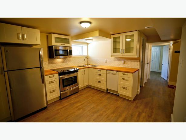 2-bedroom suite near RCMP (6328)
