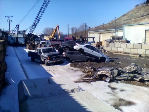 CASH FOR JUNK CARS &.TRUCKS