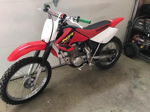 2004 xr 100