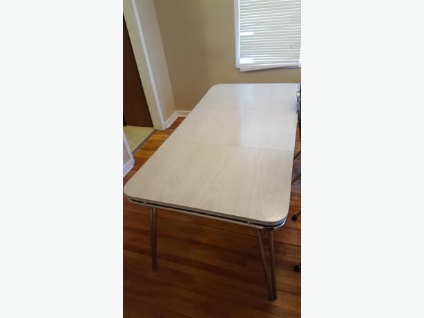 Table and 2 chairs - good for starter home