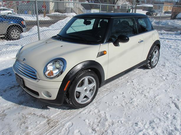 2007 MINI Cooper - 2 Door - 6 speed - 133,400kms