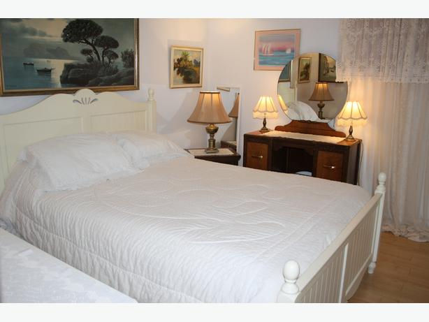 STUNNING APT FULLY FURNISHED $50.00 A DAY BY THE MONTH  819-770-7103