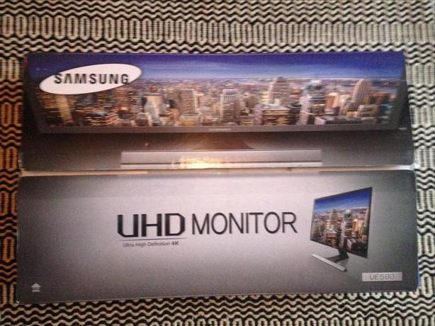 "Like new, Samsung 28"" 4K Ultra HD Gaming Monitor"