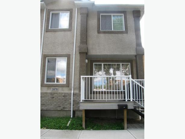 4 Bedroom House (Two Storey) for Rent -- South Regina