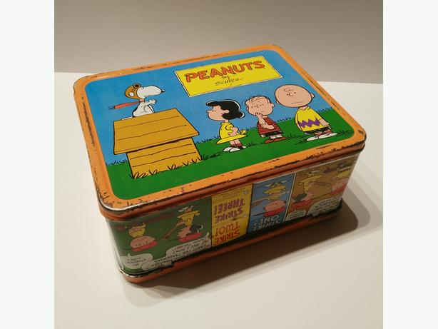 Vintage 1959 PEANUTS Charlie Brown & Snoopy Metal Lunch Box