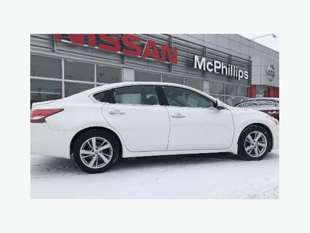 2014 Nissan Altima SL Leather sunroof and navigation