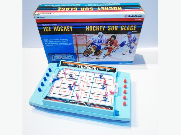 Radio Shack Vintage 1986 Mini Table Top Hockey - 100% Complete