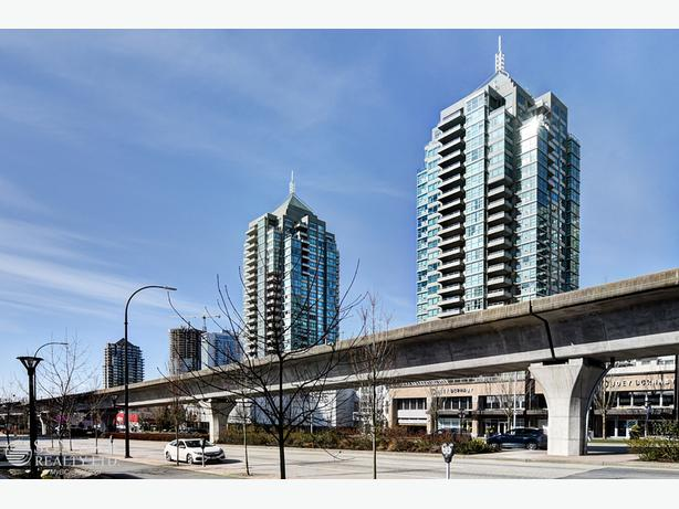 Brentwood 2 Bed Condo w/ Huge Balcony in Buchanan @ Madison Centre