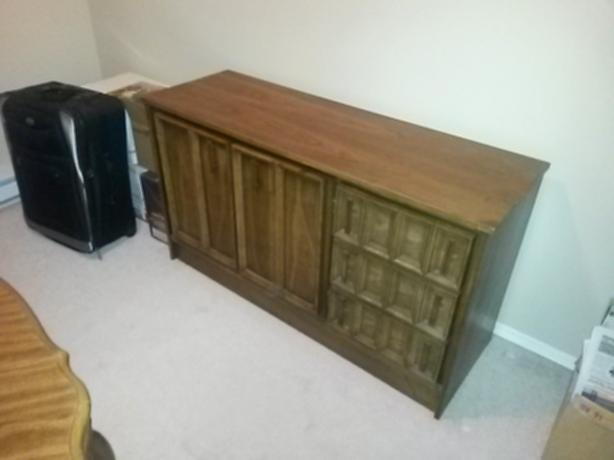 FREE: Cabinet & Dresser  PARKSVILLE