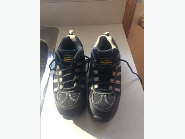 steel toe work snicker/boots  Size 9