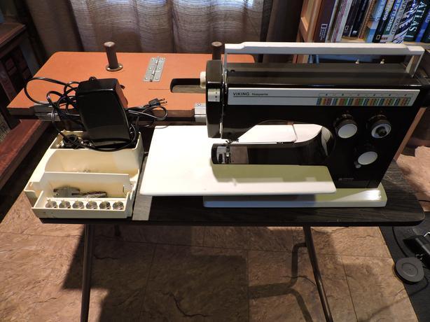 Viking Husqvarna Sewing Machine & Sewing Table