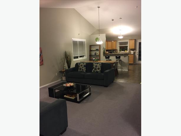 5 Bedroom House for Rent - East End Regina