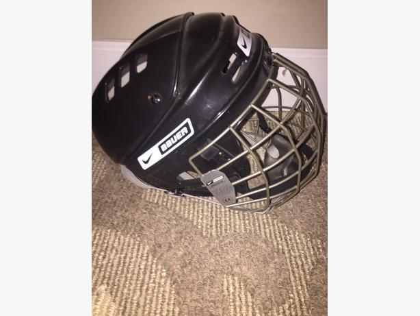 Baucer Hockey Helmet