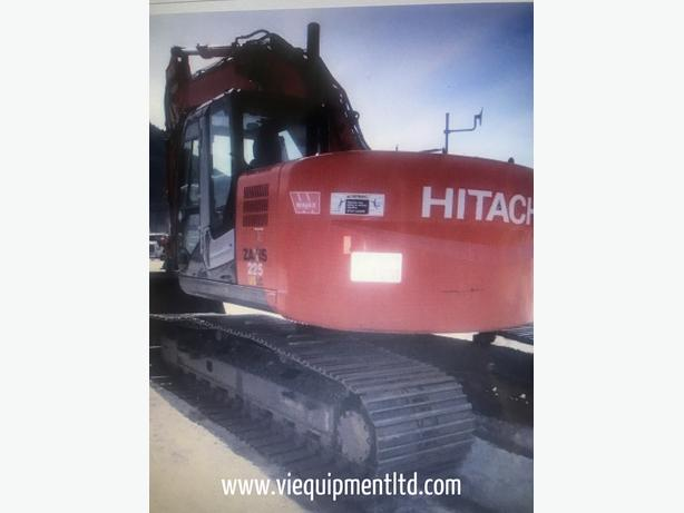 Hitachi ZX225 LC-3 Excavator