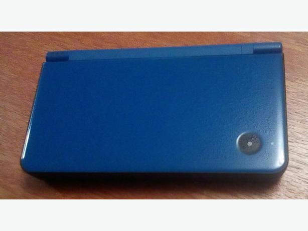 Nintendo DSI XL and 12 Games