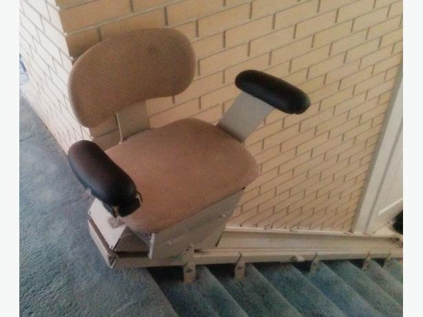 SUPER DEAL BRUNO  STRAIGHT  7 STAIR -CHAIR LIFT