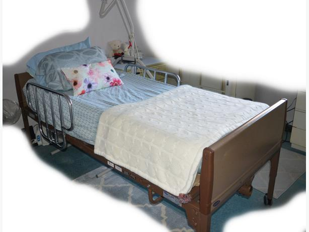 INVACARE MODEL 5491IVC HOSPITAL BED