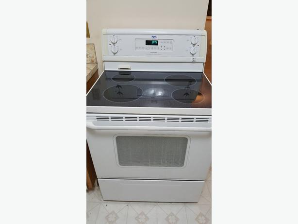 Inglis Glass Ceramic Stove