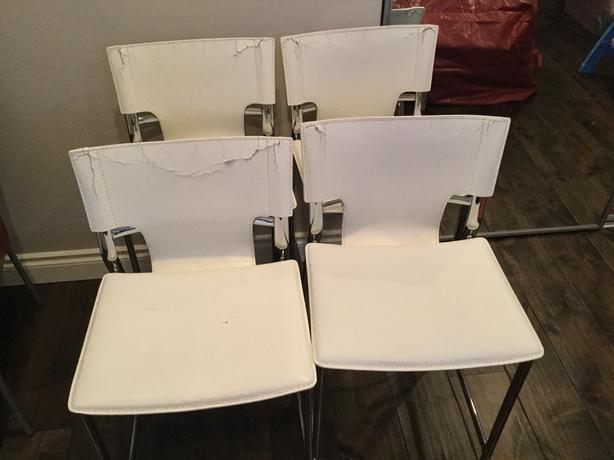 White leather/Chrome counter stools (4)