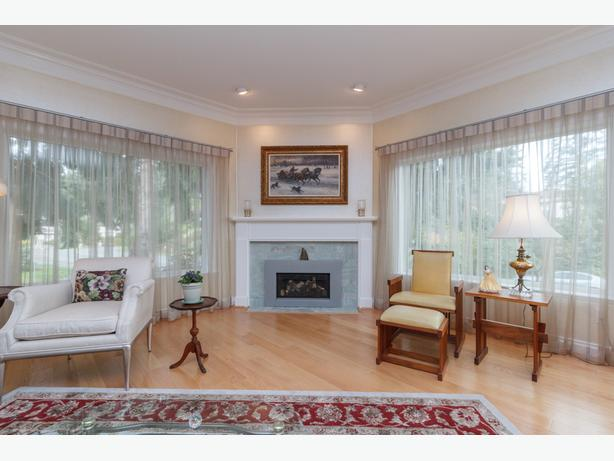 Bright Custom-Built Home in Desirable Broadmead Location