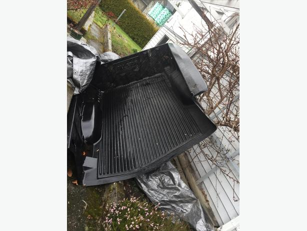 Small truck bed liner