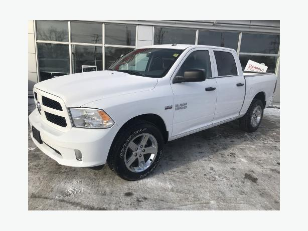 2017 Ram 1500 ONLY857 kms!! 4x4 financing available