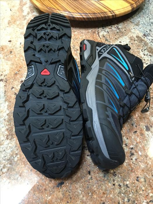 d03605f79aa5 Salomon Men  39 s X Ultra 3 Gore-Tex Hiking Shoes - Graphite Blue Sooke