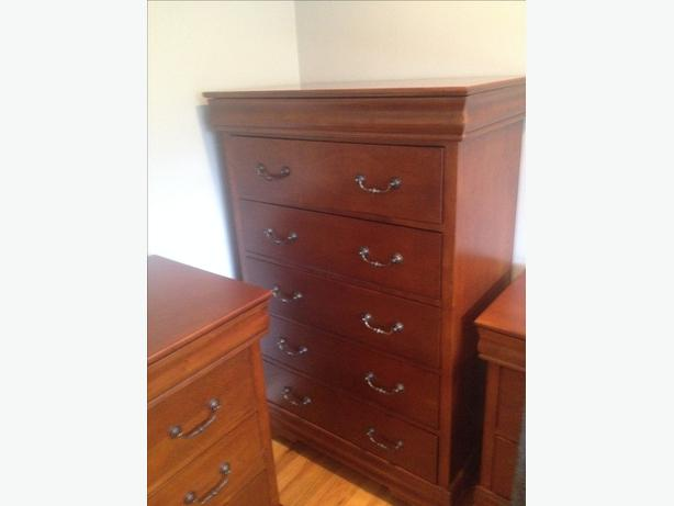 Tall Dresser. SOLID WOOD
