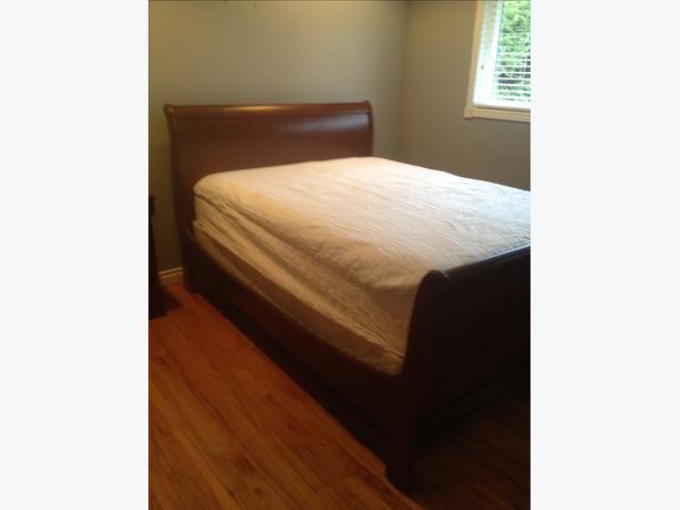 Queen Sleigh Bed. SOLID WOOD
