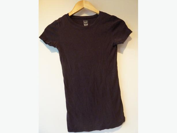 plum colour Tshirt Girl age 9-13 Gap